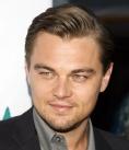 Leonardo DiCaprio va saruta un barbat in J. Edgar