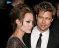 Cuplul Brad Pitt Angelina Jolie demonstreaza ca tabloidului care le anuntase despartirea s-a inselat