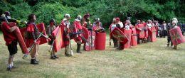 Care au fost factorii si etapele romanizarii Daciei