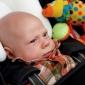 Cum croim la masina un costumas pentru copilul pana in 2 ani