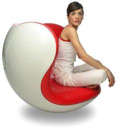 Cum se scot si cum se fixeaza cuiele decorative de la un scaun