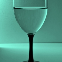 Cum servim vinul cand avem invitati