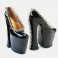 Nonconformistii pantofi ai casei Vivienne Westwood