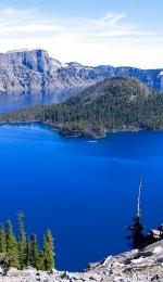 Crater Lake, cel mai albastru lac din lume